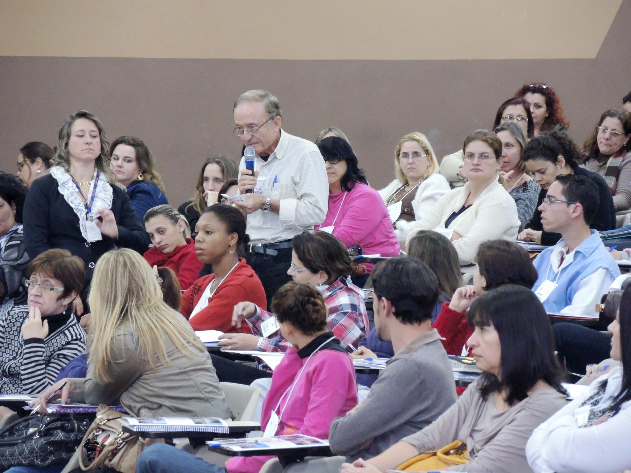 Conferência Municipal de Educação reúne quase 400 pessoas