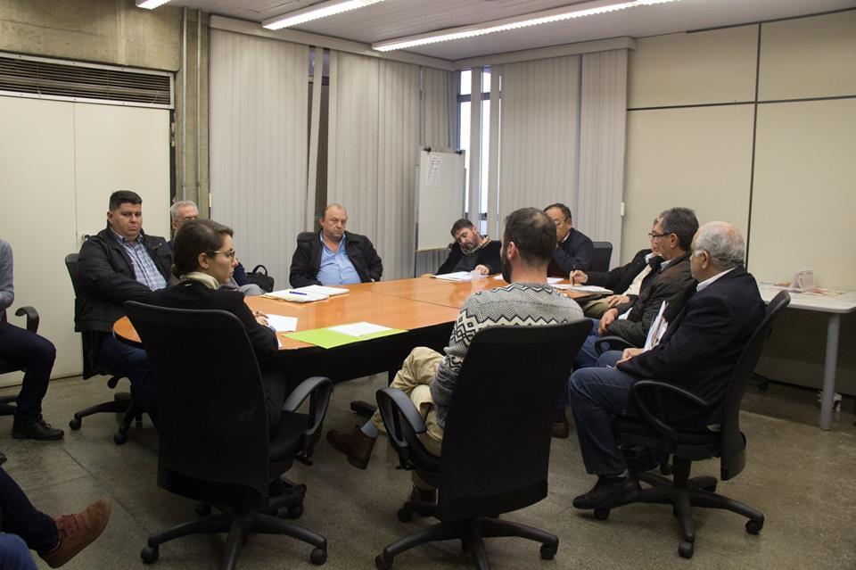 Em reunião, Prefeitura descarta suspensão do reajuste da tarifa de ônibus