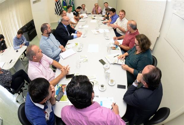 Observatório se reúne com mesa-diretora da Câmara e apresenta proposta para aprimorar a participação social